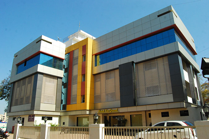Lee Grand Hotel Shirdi