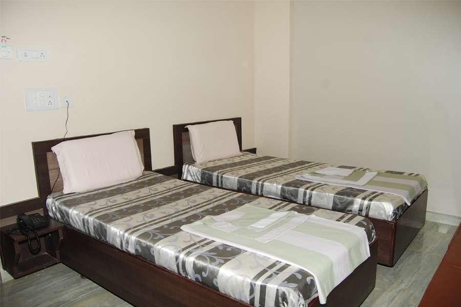 Sai Suraj Kunj Hotel Shirdi Rooms Rates Photos Reviews